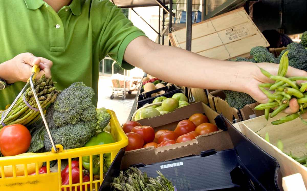 The young and French 'are most likely to buy wonky veg' – survey