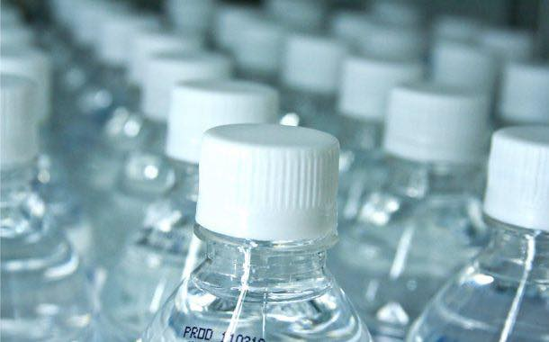 Bottled water overtakes fizzy drinks as US' most popular drink