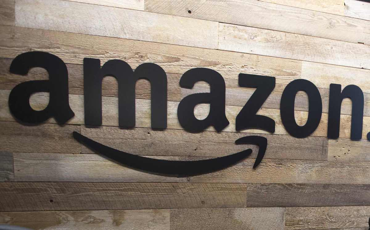 Amazon to buy organic specialist Whole Foods for $13.7bn