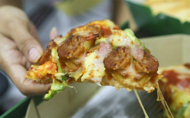 7-Eleven begins selling 'breakfast pizza' topped with bacon and egg