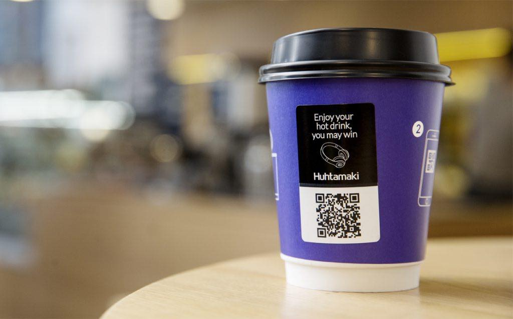 The heat-sensitive label means that the QR code only shows up when the cup is filled.