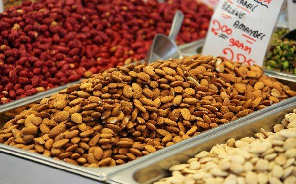 Eating more nuts could lead to reduced weight gain – study