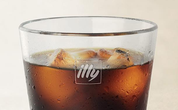 Illy introduces cold brew steeping packs for the food service sector